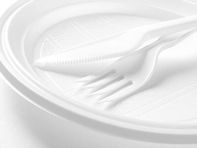 צלחות חד פעמיות פלסטיק